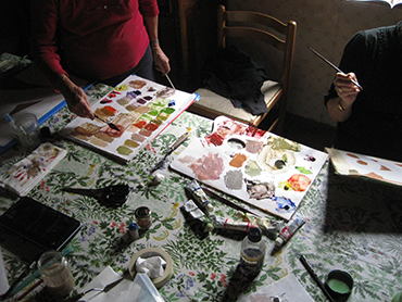Painting in Tuscany with a group of artists of all levels during our plein air landscape painting workshop in Italy